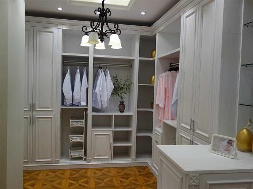 衣柜企业做到行业最尖端还不够?还缺少哪一方面?